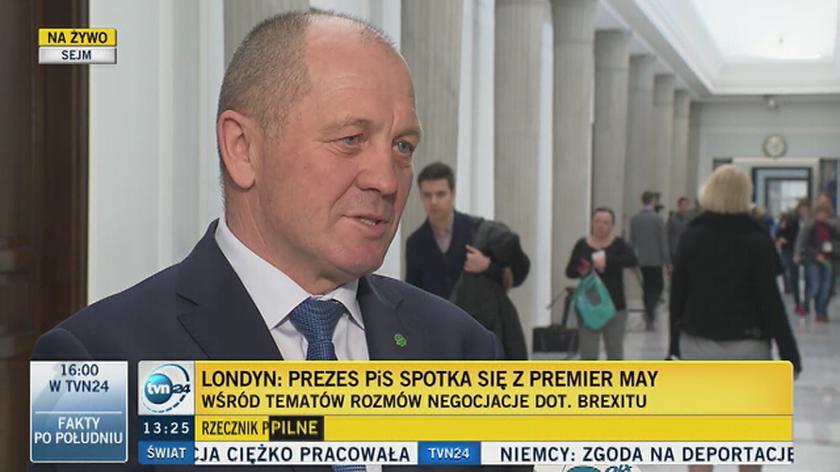 """""""Kaczyński nie wierzy już w dyplomację Waszczykowskiego i premier"""""""