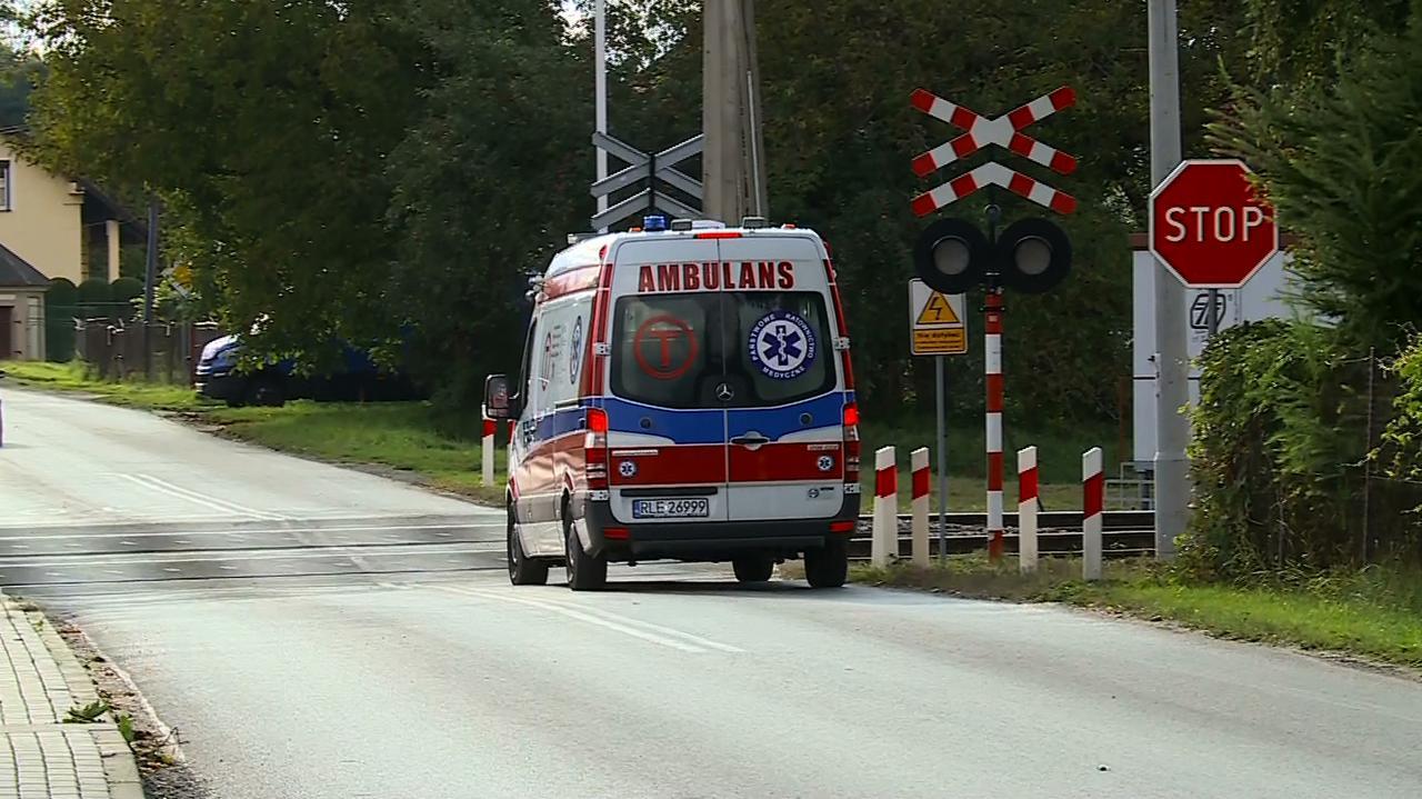 Lekarze z Krakowa siedem godzin przyszywali uciętą dłoń 21-latkowi z Leżajska. Podejrzany o atak tasakiem Marek T. usłyszał zarzuty