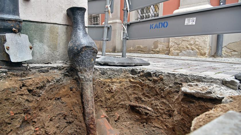 Poznań: Spod ziemi wyjęli serce. Teraz ustalają ile ma lat