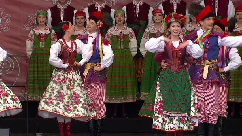Prezydenckie Dożynki w Warszawie. Andrzej Duda i Agata Kornhauser-Duda wzięli udział w ceremoniale