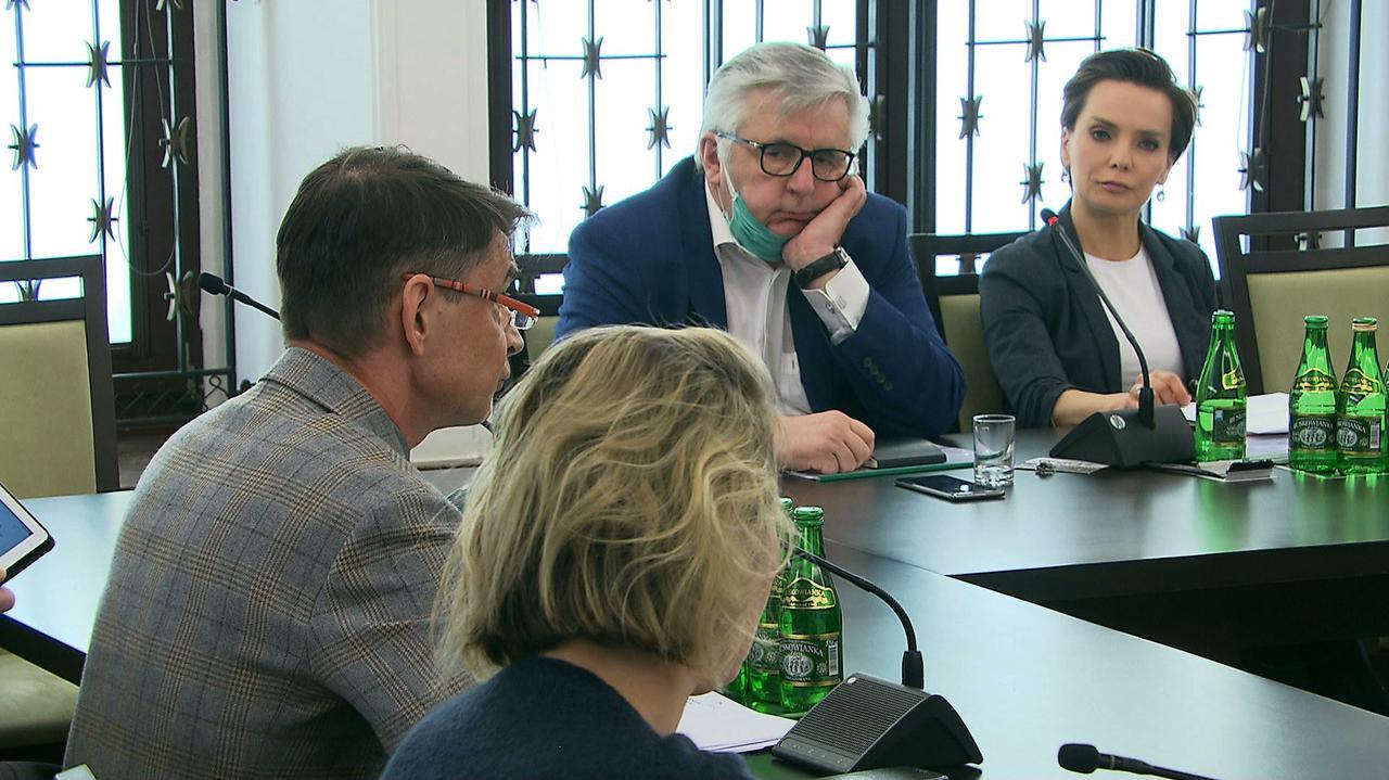 Senacka komisja w sprawie Trójki. Dyrektor Kowalczewski o swoim SMS-ie: miałem podstawy