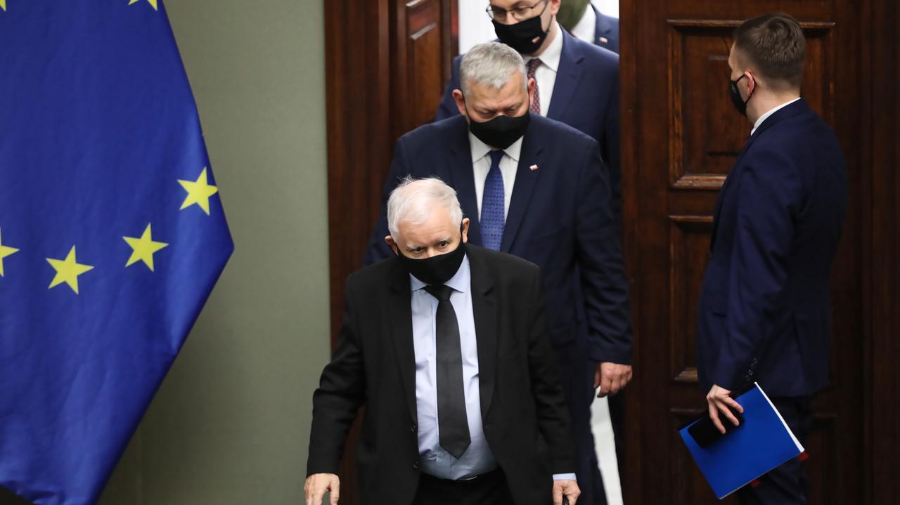 Fogiel o ustawie anty-TVN: jej losy jeszcze przed nami
