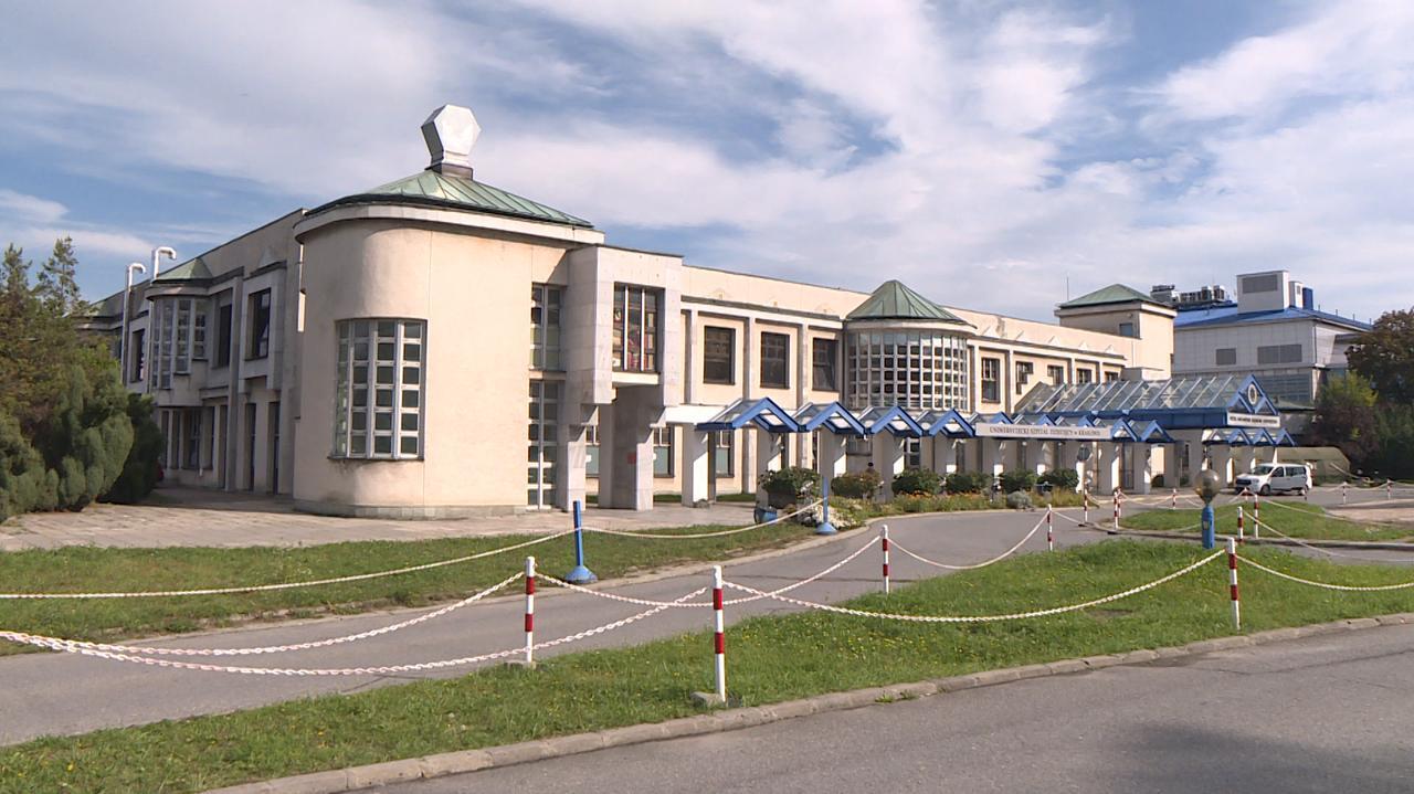 Dyrektor Uniwersyteckiego Szpitala Dziecięcego w Krakowie rezygnuje. Wcześniej wypowiedzenia złożyło 25 lekarzy