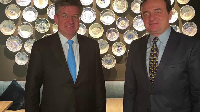Prezydent Serbii spotkał się w Brukseli z premierem Kosowa
