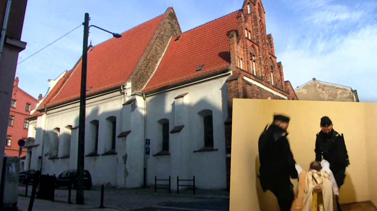 Policja przerwała obrzęd religijny i wyprowadziła księdza. Grozi mu 30 tysięcy złotych kary