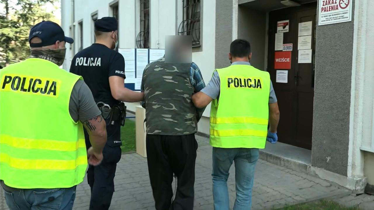 W trakcie interwencji zaatakowali i bili policjantów. Ojciec i syn aresztowani