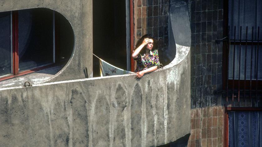 Kim jest kobieta na zdjęciu Chrisa Niedenthala?