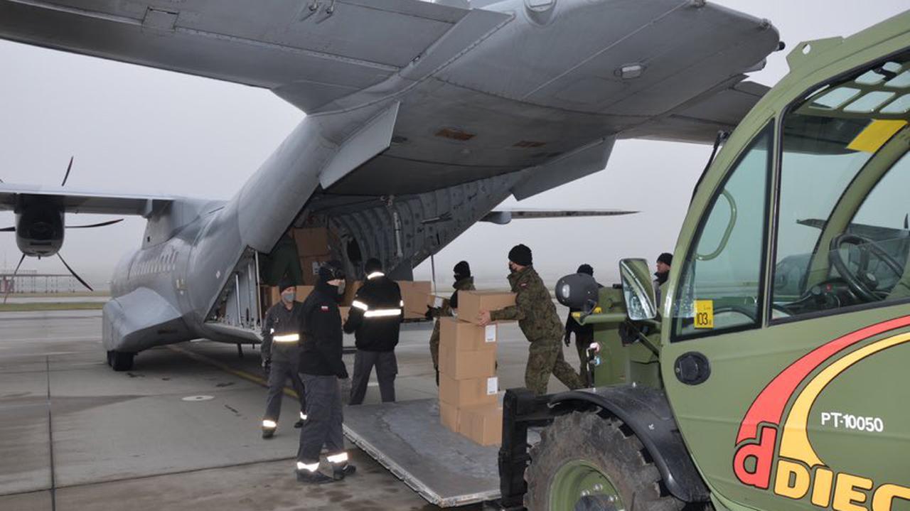 Stracili domy po trzęsieniu ziemi. Polska wysyła namioty mieszkalne