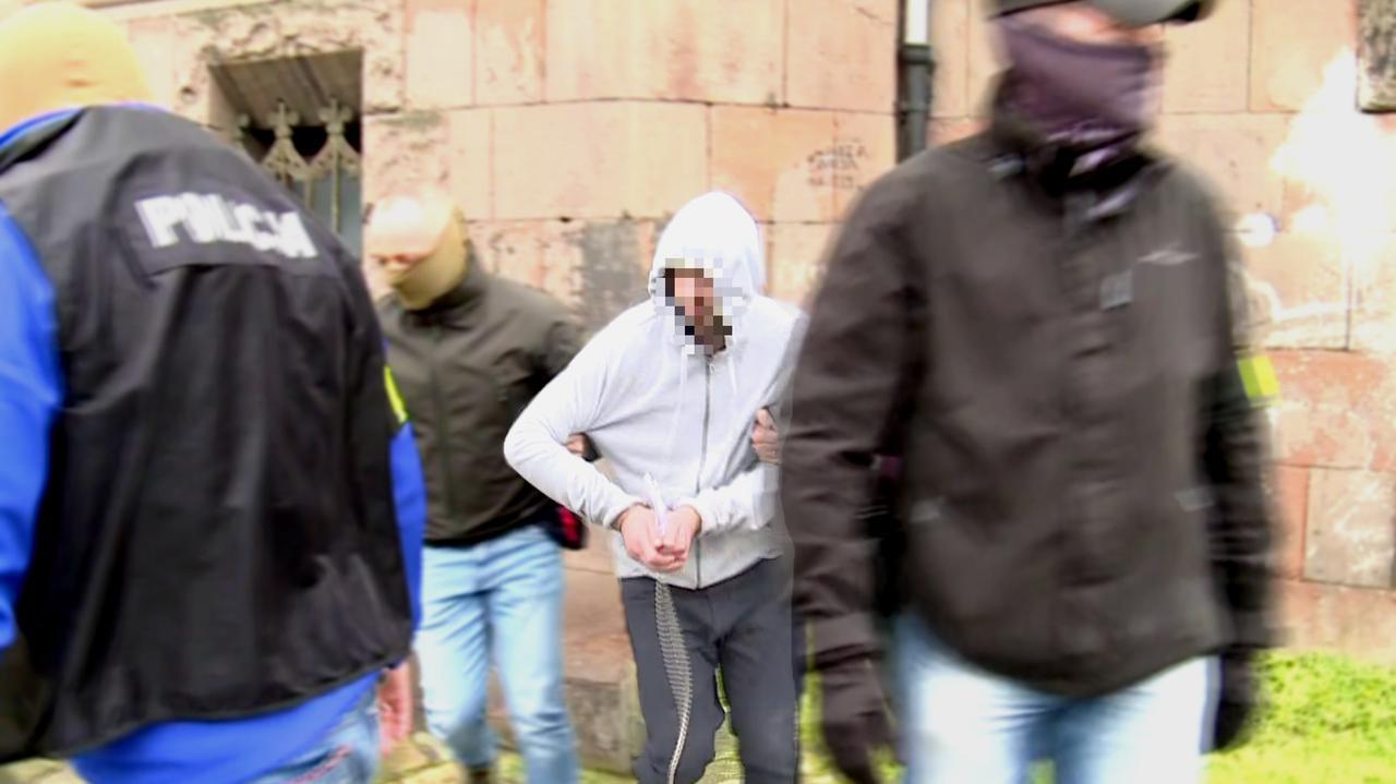 Siedem razy przyznał się do zabicia 11-letniego Sebastiana z Katowic. Prokuratura chce, by pozostał w areszcie