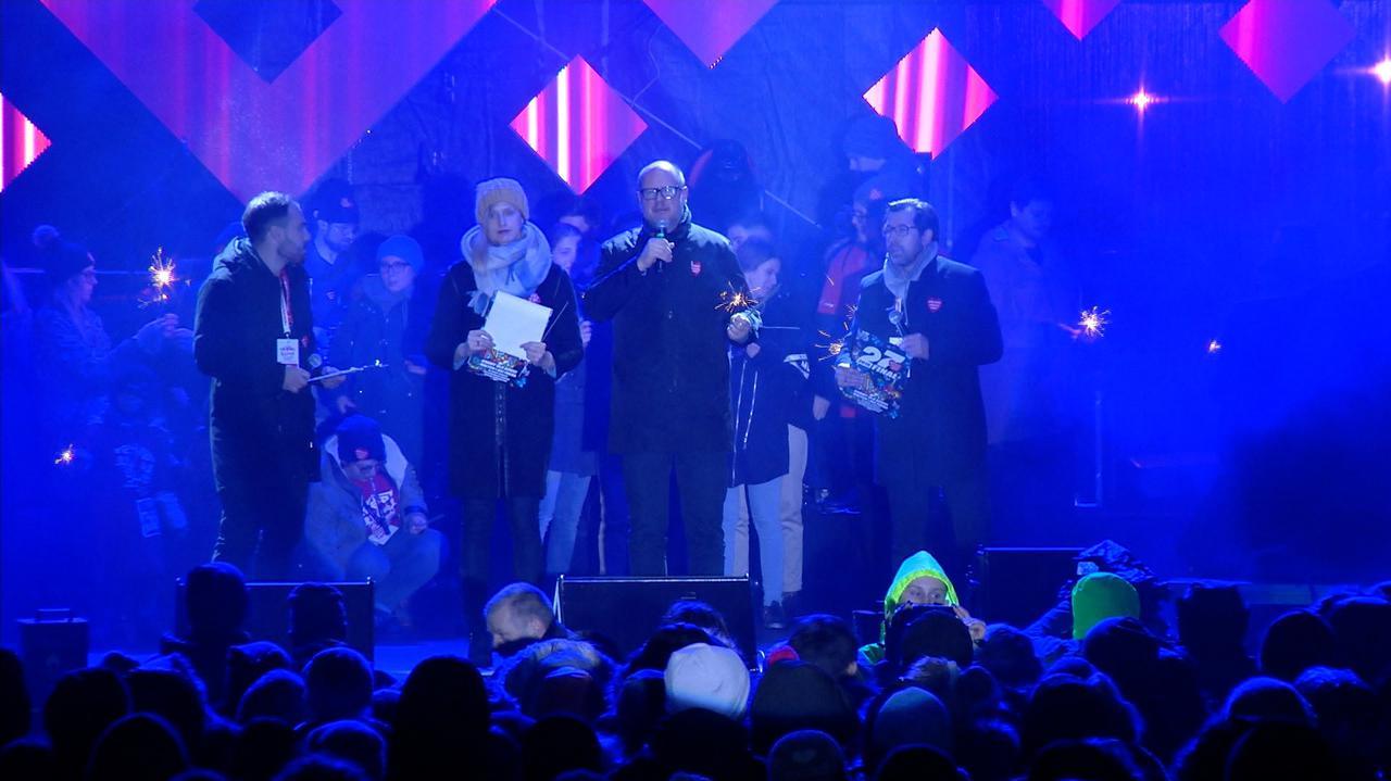 Siedem osób ma usłyszeć zarzuty w związku z organizacją koncertu, podczas którego zginął Paweł Adamowicz
