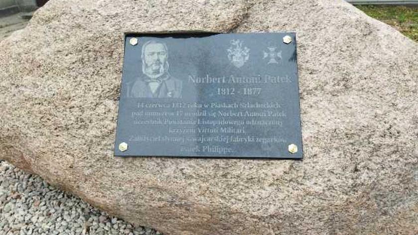 W Piaskach Szlacheckich stanął pomnik Antoniego Norberta Patka. To, znany na cały świecie, pionier przemysłowej produkcji zegarków