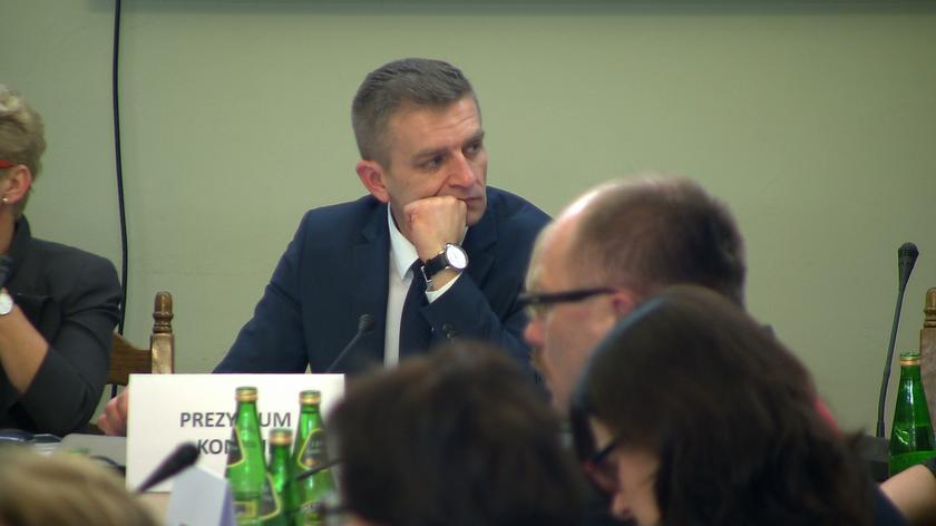 Arłukowicz zadaje pytania ministrowi zdrowia
