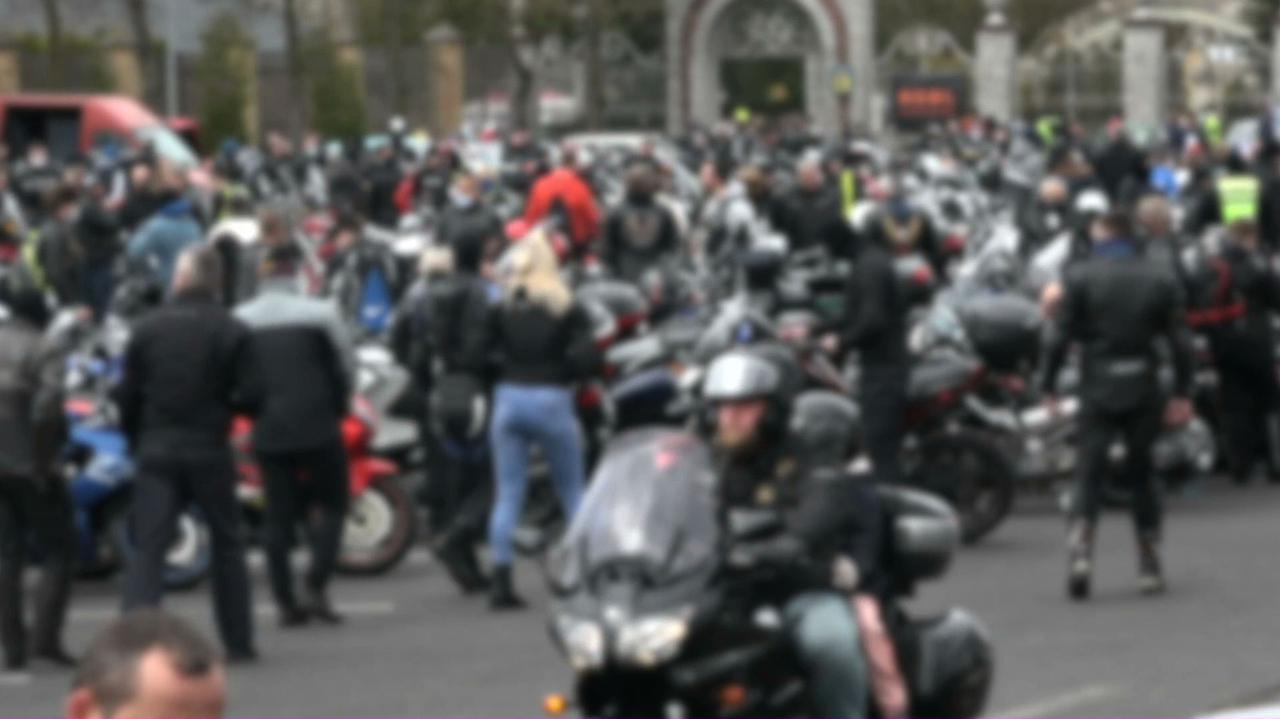 Wielki zlot motocyklistów przed licheńską bazyliką. Choć formalnie imprezy nie było