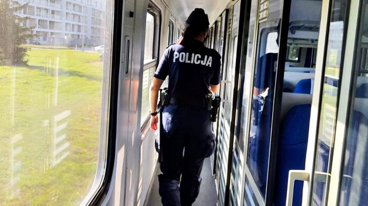 Zaginioną 12-latkę znaleźli w pociągu. By odwiedzić koleżankę pojechała kilkaset kilometrów od domu