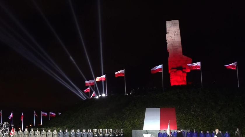 Premier na Westerplatte: myli się katów z ofiarami II wojny światowej