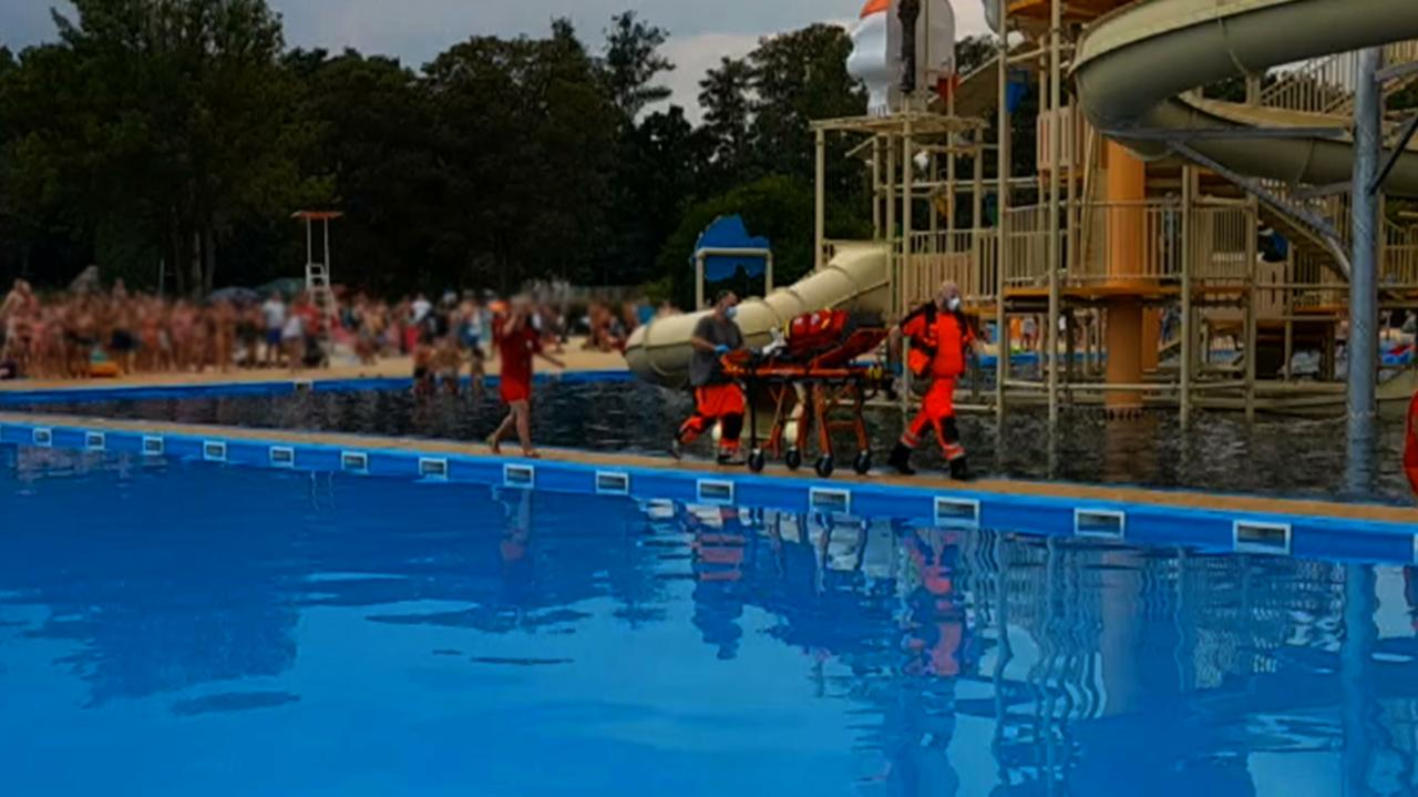 11-latek reanimowany na basenie.