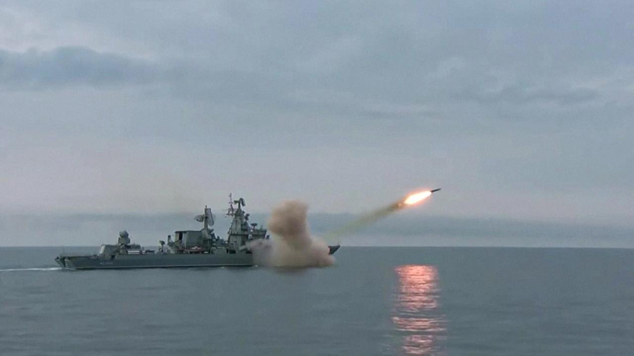 Rosyjskie okręty na Morzu Czarnym. Pierwsze ćwiczenia z pociskiem Wułkan na tych wodach