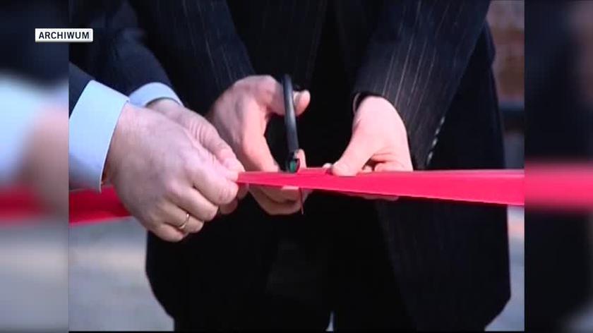 Słoń Ninio oskarżany przez radnego PiS o homoseksualizm (2009 r.)