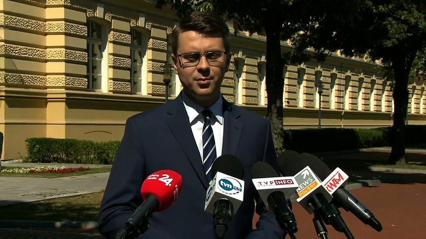 Piotr Mueller o podwyżkach dla urzędników