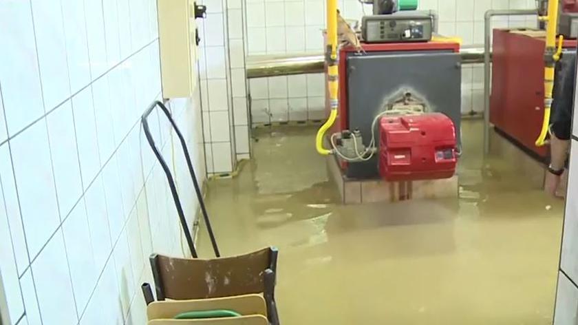 Woda wdarła się do szkoły w Jerzmanowicach