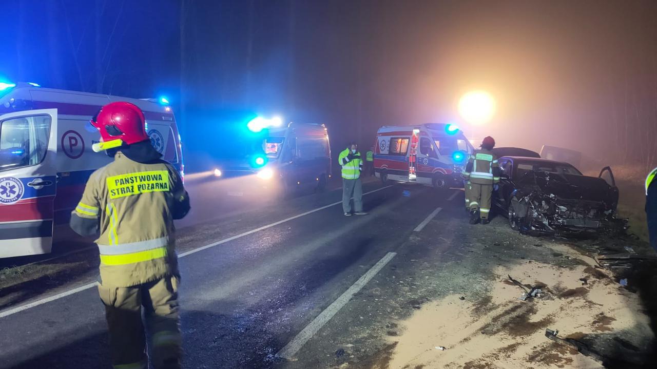 Zderzenie trzech samochodów. Pięć osób rannych
