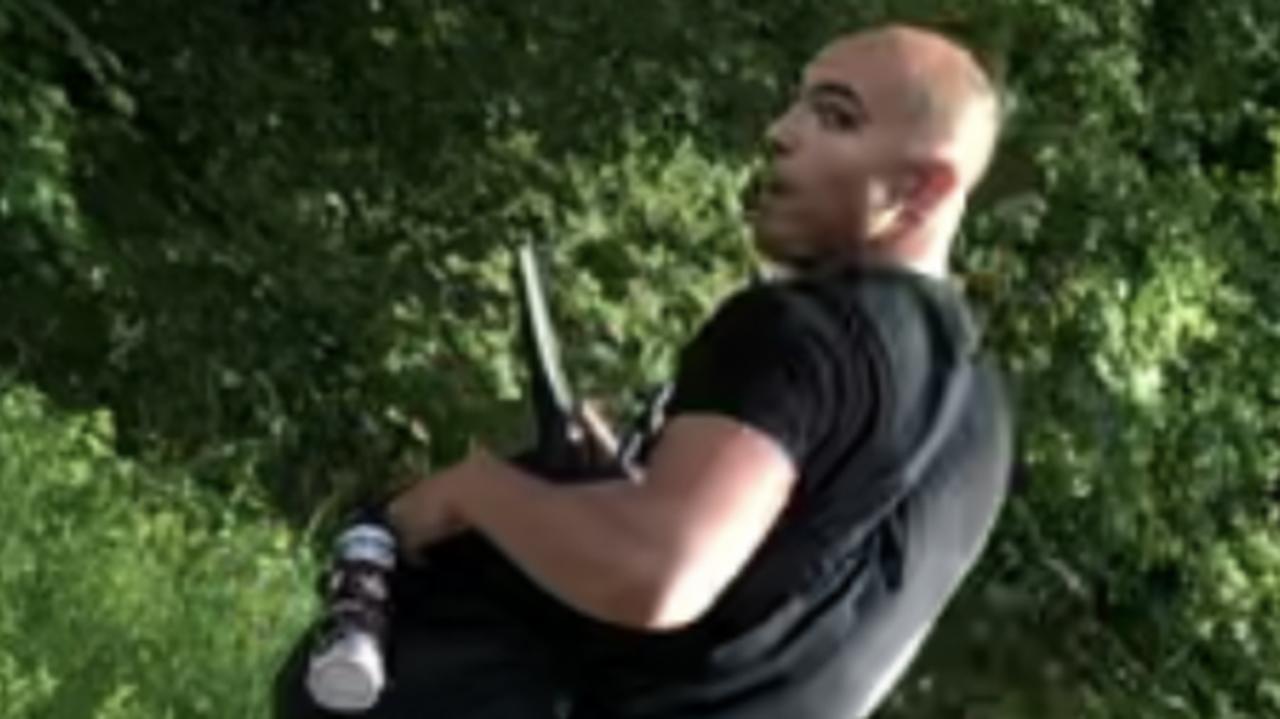 Zaczepił obcokrajowców, groził nożem, użył gazu.