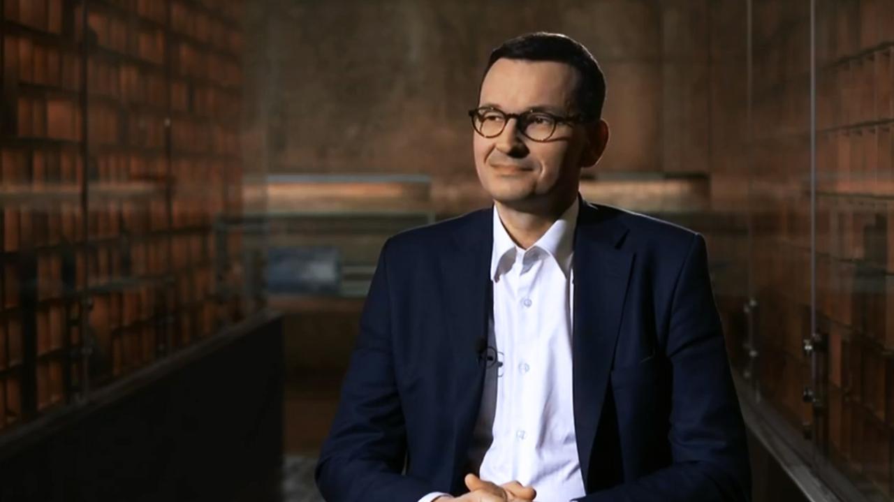 """Premier Mateusz Morawiecki o zarobkach pielęgniarek w Polsce. """"On w ogóle nie zna życia, nie rozumie, co to bieda"""" - TVN24"""