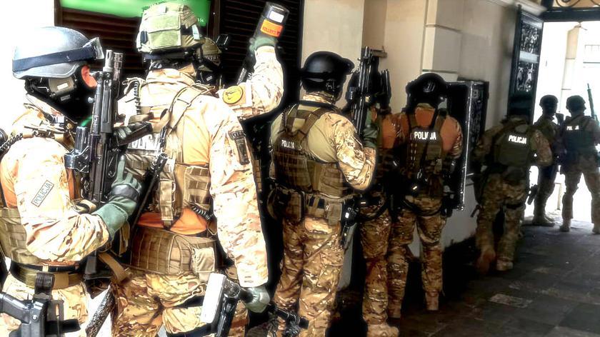 Policja rozbiła dwie grupy cyberprzestępców