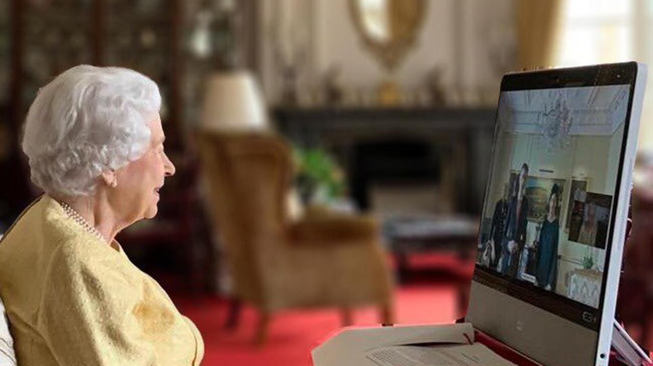 Królowa Elżbieta powitała nowych ambasadorów Korei Południowej i Szwajcarii