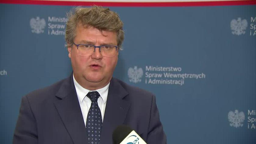 Wiceszef MSWiA o migrantach na granicy polsko-białoruskiej: to mężczyźni, głównie młodzi, silni. Nic nie wskazuje, że grozi im coś złego w ich kraju
