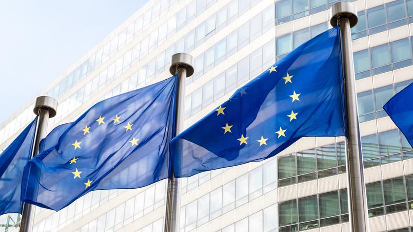 Komisja Europejska dała sejmikowi dwa miesiące na wycofanie się z uchwały
