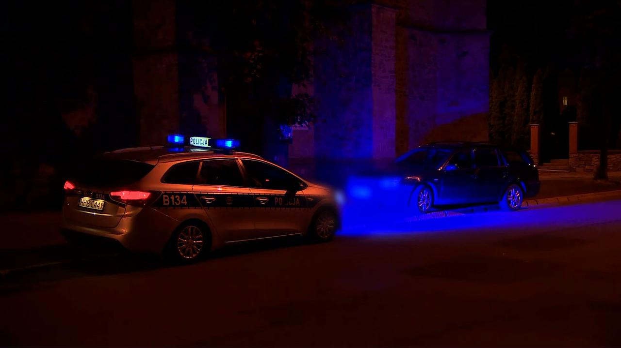 Pijany kierowca wjechał w osoby wychodzące z kościoła. Usłyszał zarzuty i trafił do aresztu