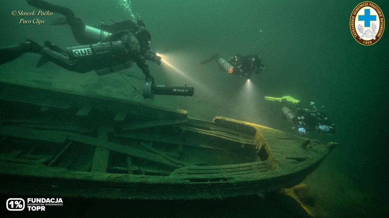 Nurkowie-ratownicy ćwiczyli w Morskim Oku. Sfotografowali wrak Syreny