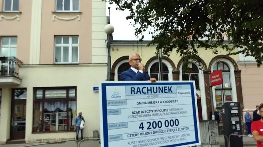 Burmistrz Chodzieży chciał wręczyć premierowi Morawieckiemu rachunek na ponad 4 miliony zł