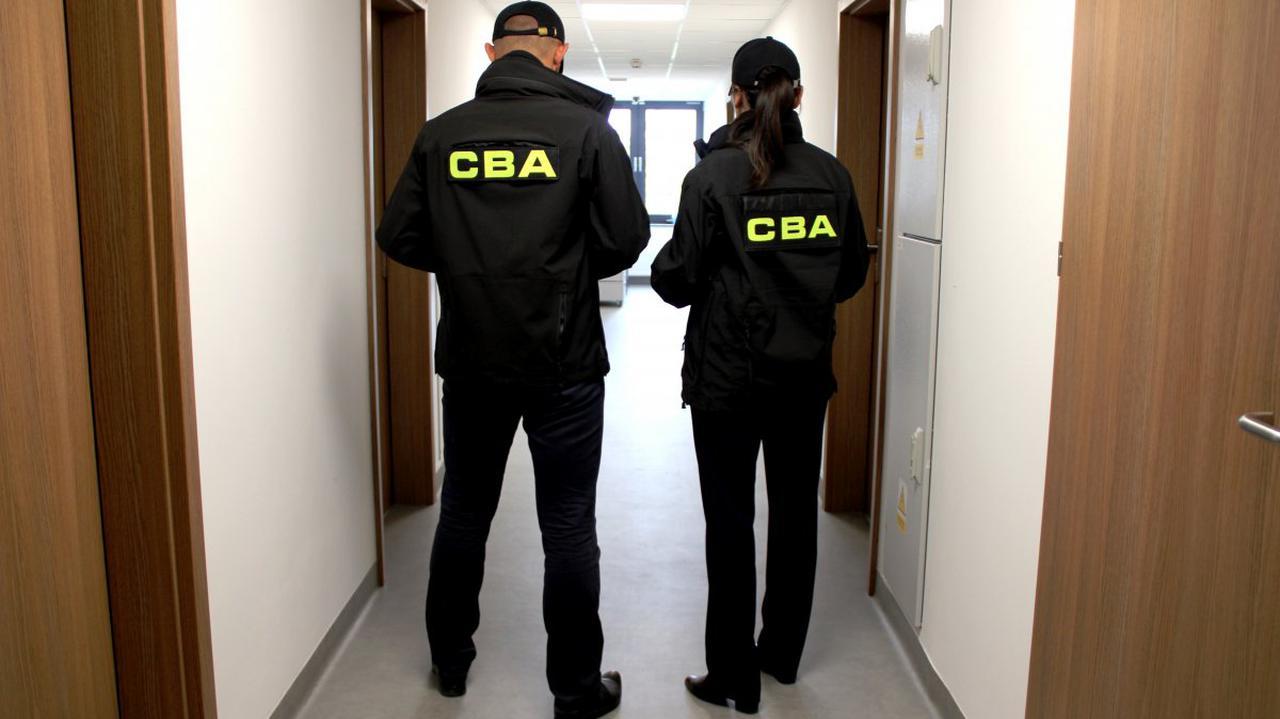 Dlaczego CBA przeszukało dom syna prezesa NIK? W decyzji prokuratury