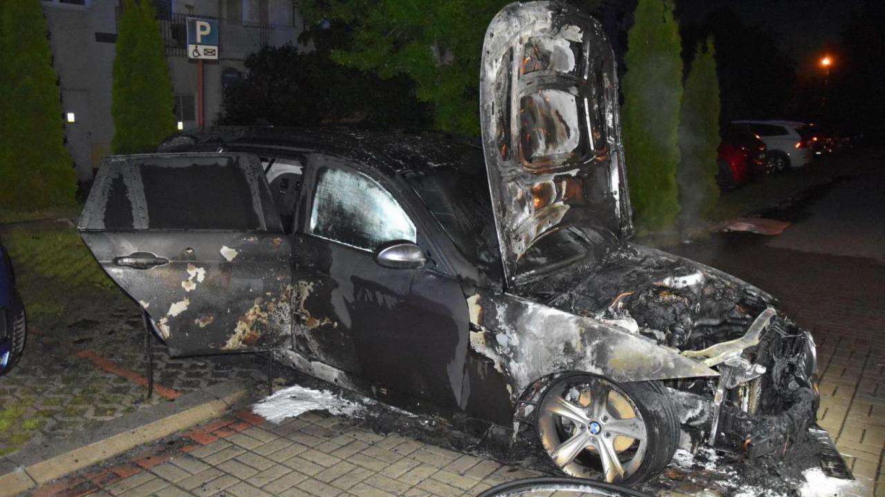 Strażak podejrzany o zlecenie podpalenia aut dwóch innych strażaków