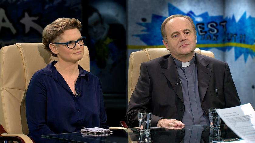 Magdalena Chrzczonowicz i ks. Andrzej Kobyliński w Tak Jest