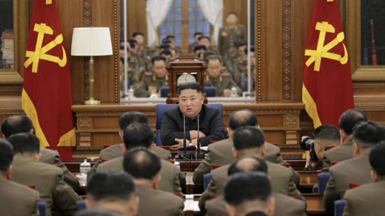 Korea Północna. Kim Dzong Un w ciężkim stanie? Seul dementuje - TVN24