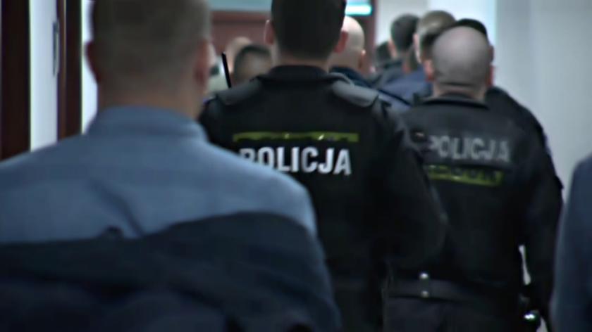 Na odczytaniu wyroku zjawiło się kilkunastu funkcjonariuszy - kolegów oskarżonych