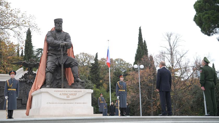 Aleksander III przyniósł Rosji pokój, rozwój i stabilizację - mówił prezydent Rosji Władimir Putin, odslaniając pomnik cara na Krymie