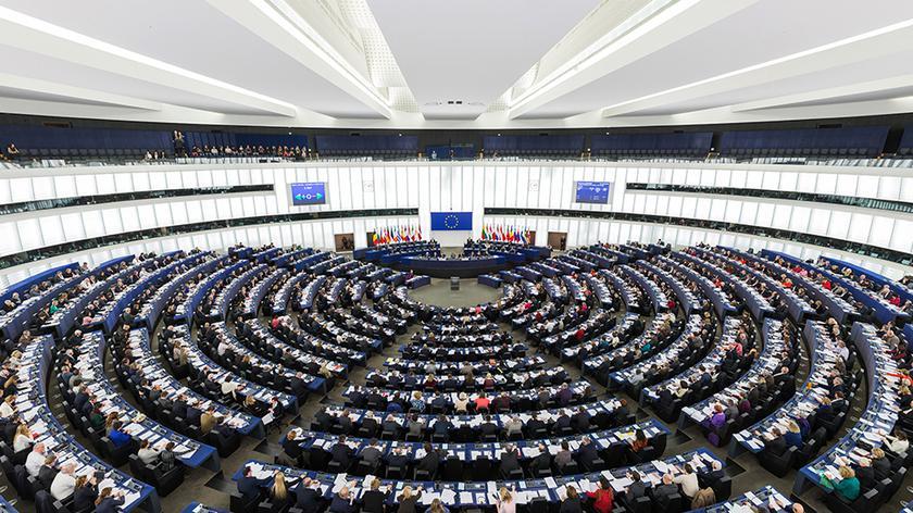 Debacie sprzeciwia się większość polskich europarlamentarzystów