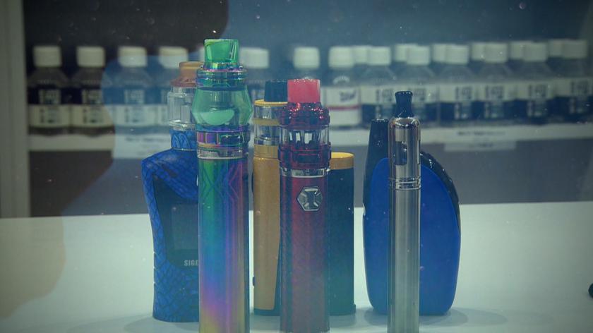 E-papierosy modne wśród nastolatków