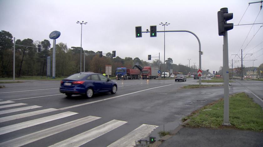 Poznań: Potrącił kobietę na ul. Warszawskiej i uciekł. Wyrok dla kierowcy i pasażera