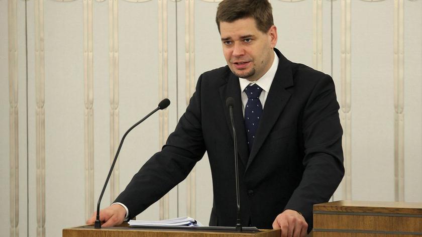 Były minister sprawierdliwości Marek Biernacki krytykuje swojego następcę, Cezarego Grabarczyka.