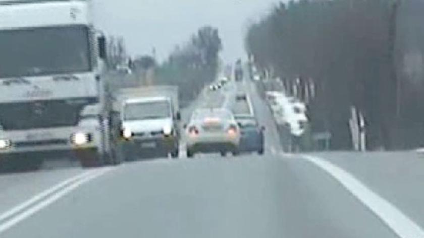 Mężczyznę w lutym ścigała świętokrzyska policja (film bez dźwięku)