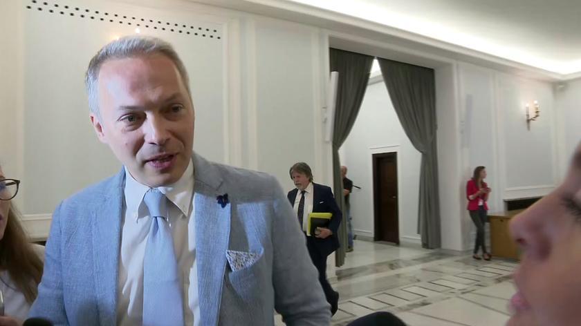 Jacek Żalek nie wycofał się ze słów pod adresem protestujących rodziców