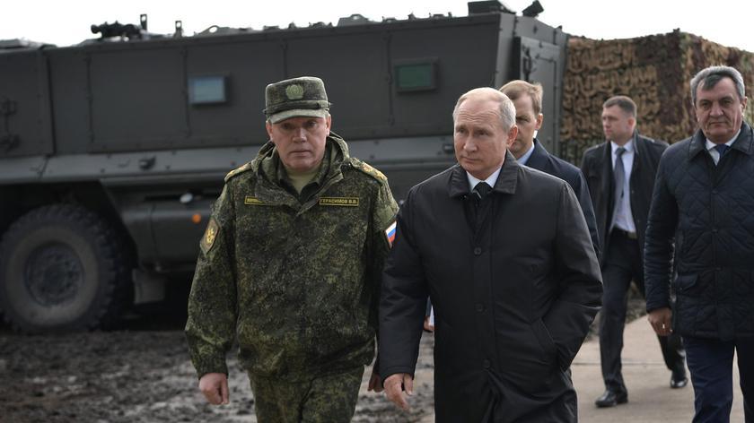 Kreml zapewnia, że bezpieczeństwo Rosji jest zagwarantowane (nagranie z ćwiczeń wojsk łączności Południowego Okręgu Wojskowego)