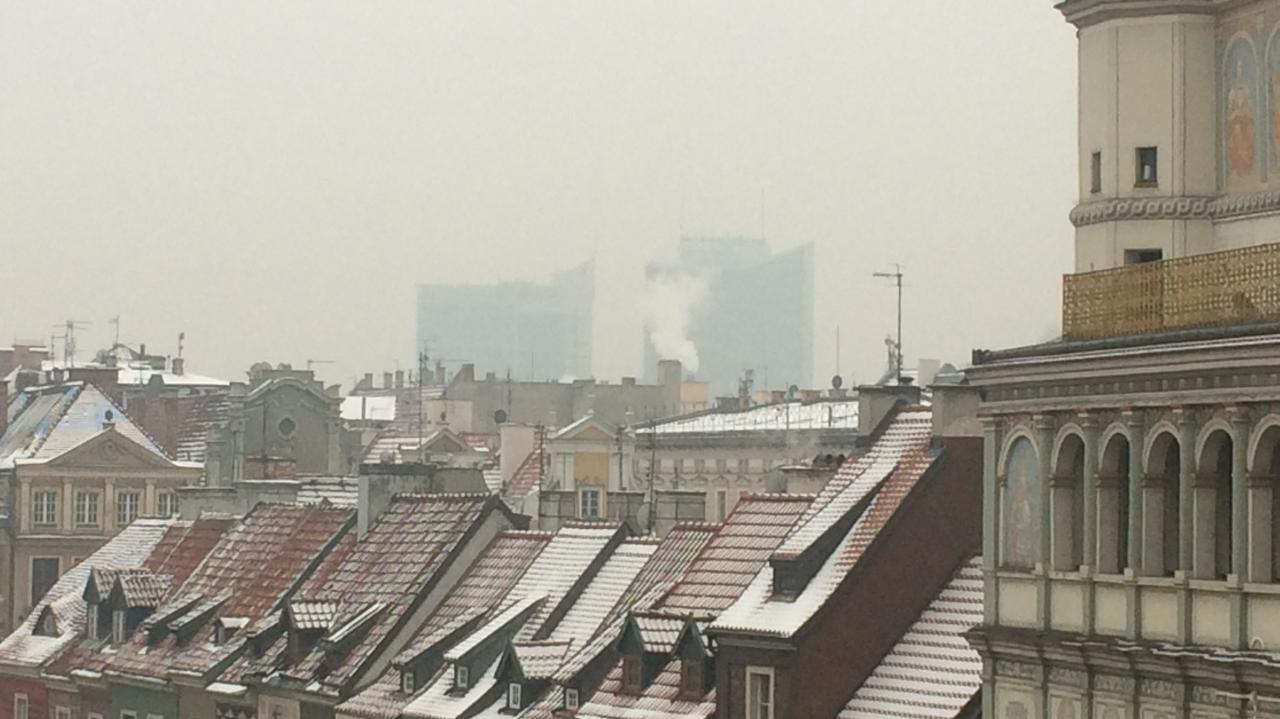 Skąd smog w Poznaniu? Większość spoza miasta