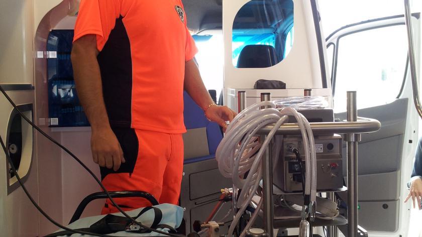 Mobilne sztuczne płuca w karetce
