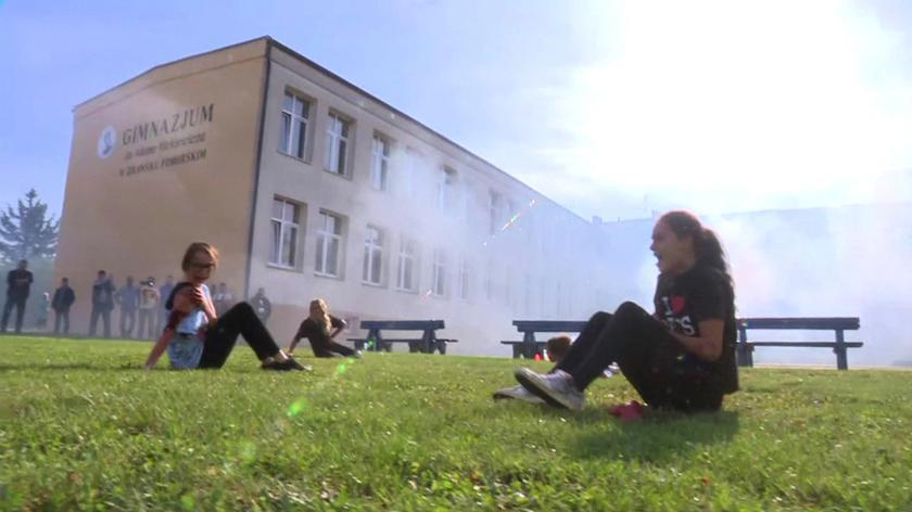 Dym, strzały, antyteroryści. W trakcie realistycznych ćwiczeń zasłabły dzieci